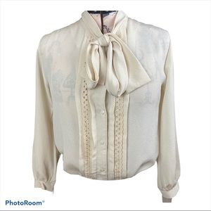 Vtg Long Sleeve Button Down Ivory Bow Tie Blouse